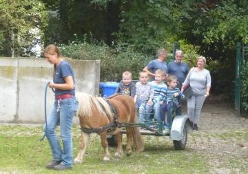 Kleuters en Ervaar A naar de kinderboerderij
