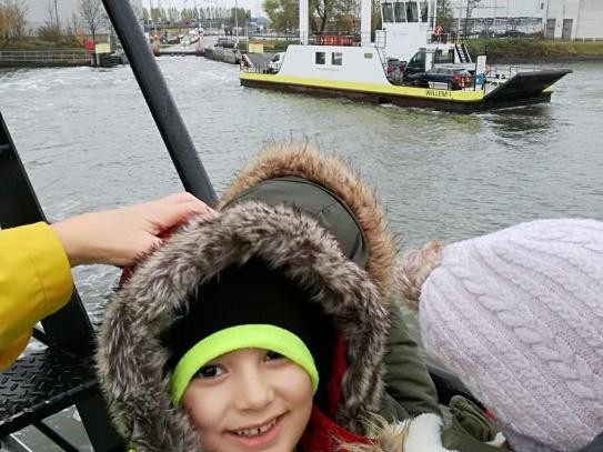 Kleuters op de veerboot